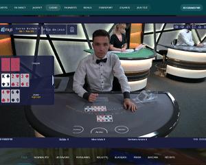 capture d'écran d'un jeu de poker dans un casino en direct